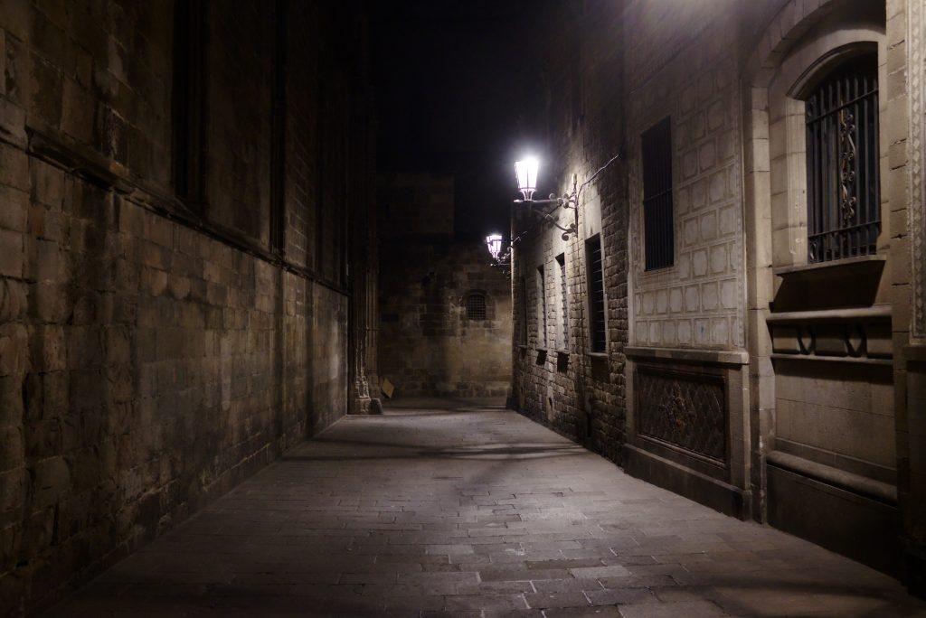 Mitos y Leyendas de Barcelona, Noche en Cuitat Vella, Barcelona medieval